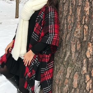 Thick plaid poncho